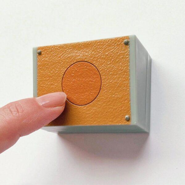 カプセルトイメーカーSO-TAの音が鳴る学校チャイムのマグネット