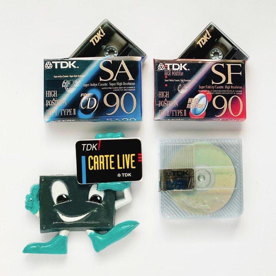 90年代フランスTDKのノベルティミニチュアマグネット